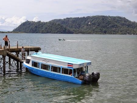 22. Bus - ferry - bus Arenal - Monteverde.JPG