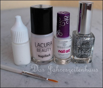 French Manicure mit Schmetterling