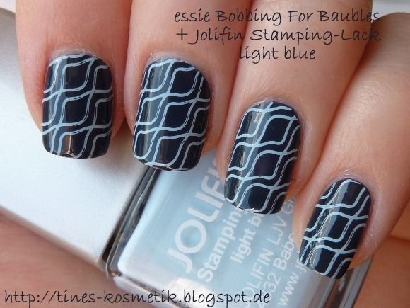 essie Bobbing For Baubles Jolifin light blue 1