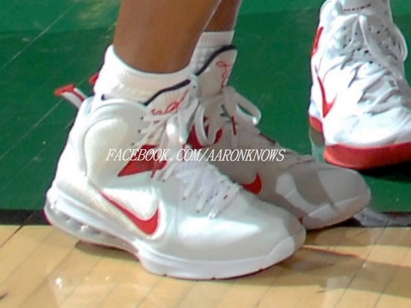 Wearing Brons Diana Taurasi in LeBron 9 8220USA Basketball8221 PE