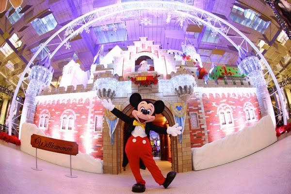 Changi Airport celebrates Christmas this year with the company of Mickey Mouse and Friends