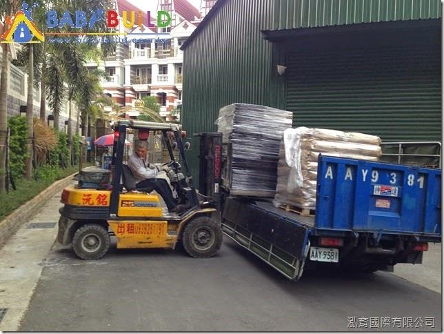 堆高機協助卸貨