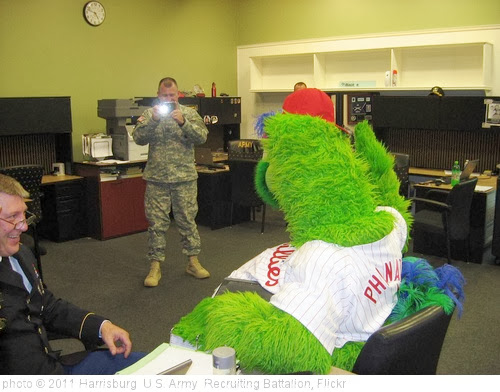'Philly Phanatic @ Selinsgrove' photo (c) 2011, Harrisburg  U.S. Army  Recruiting Battalion - license: http://creativecommons.org/licenses/by-nd/2.0/