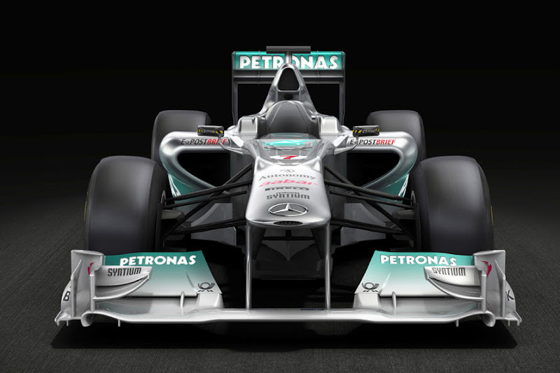 Mercedes-GP-Praesentation-2011-fotoshowImage-53e9f2bf-564546.jpg