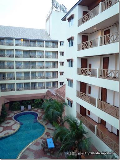 泰國芭達雅Phuphaya Resort飯店清晨