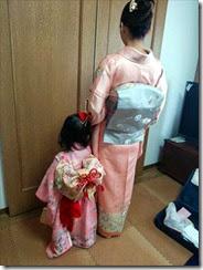 お子様と一緒に着物で写真撮影 (2)