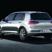2013-VW-Golf-7-6.jpg