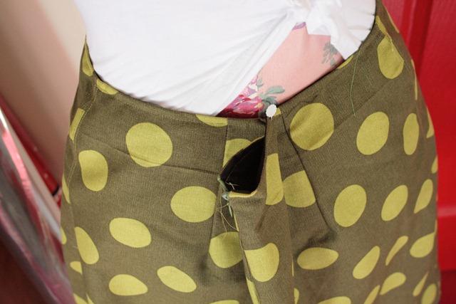 skirtback