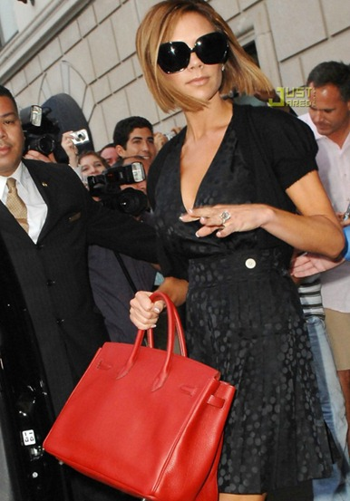 red-color-handbags-Victoria-Beckham-style1