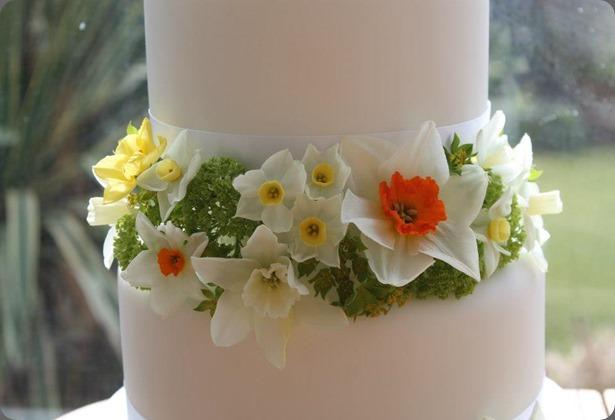 daffodil 541810_320677154727755_967654158_n blue poppy florist