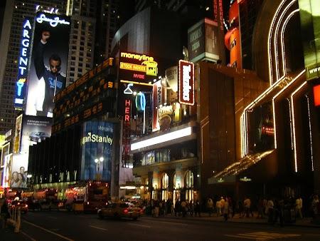 09. New York noaptea.JPG