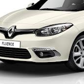 2013-Renault-Fluence-11.jpg