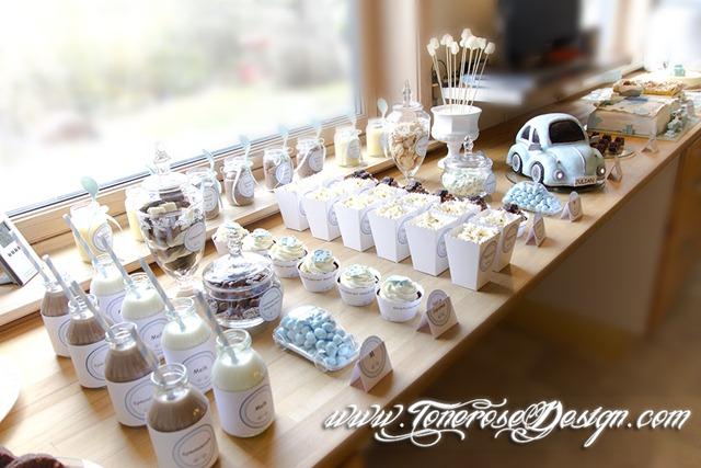Kakebord barnedåp gutt - lyseblå boblebil - dessertbord