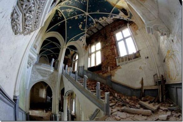 abandoned-castle-belguim-17