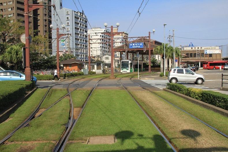 grass-tram-tracks-7