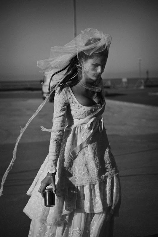 vogue paris april2012 isabeli fontana peter lindbergh 2