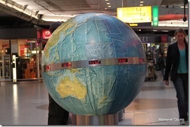世界の時間がわかるようになっている・・・変更線まであるので面白い!