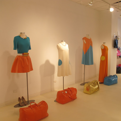 The shape of the dresses is very retro, but I think the colors look so fresh.