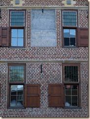 Munsterbilzen, Perronstraat: voormalig gemeentehuis van Munsterbilzen.  Zie https://inventaris.onroerenderfgoed.be/dibe/relict/735