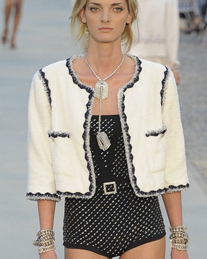 chanel-resort-2012-runway-017_183554949599