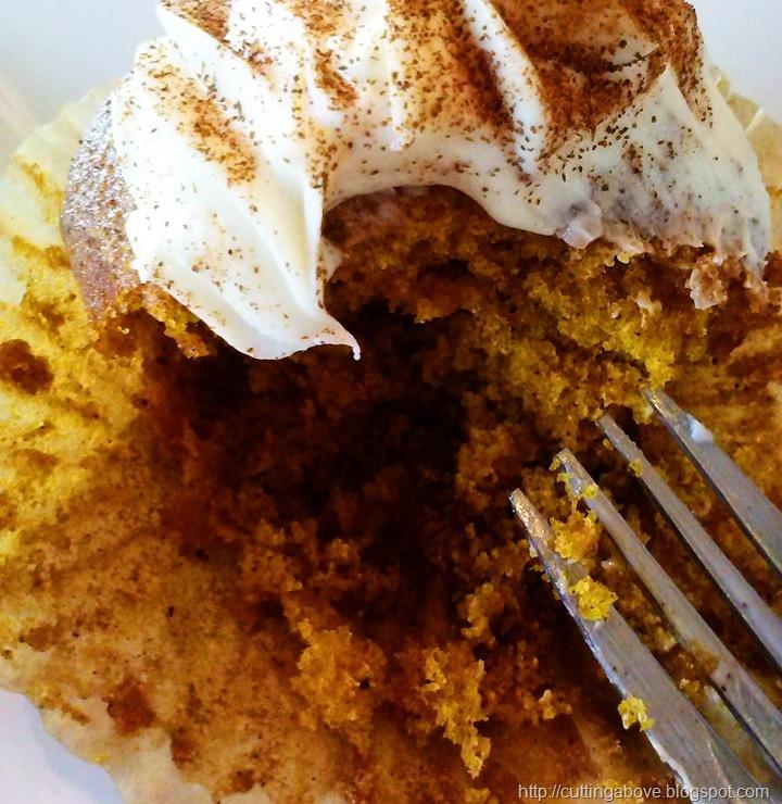 [MaggieLamarre-pumpkinspices-cupcake1%255B2%255D.jpg]