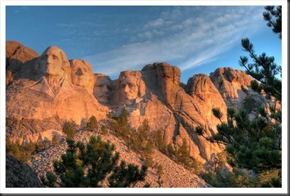 2011Jul31_Mount_Rushmore_tonemapped
