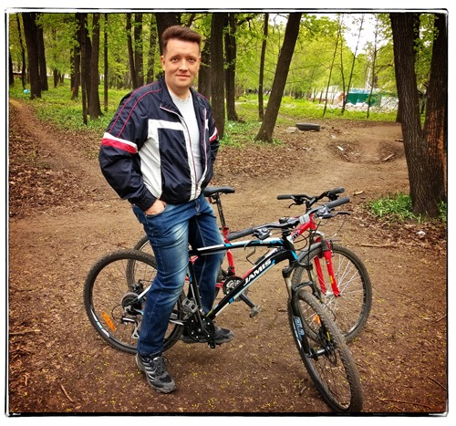 На велике в парке Гагарина