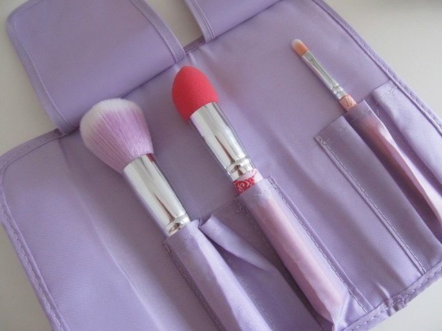 essence bloom me up tools 7