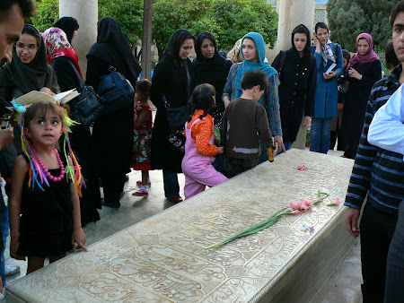 Things to see in Shiraz: The grave of Hafez