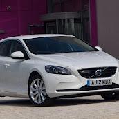 2013-Volvo-V40-New-1.jpg