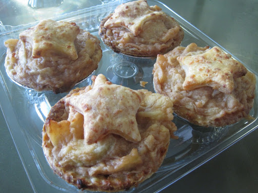 Elizabeth Karmel's mini apple pies
