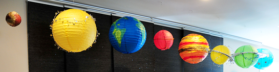 3.-sweets-table---hanging-paper-lantern-planets-astronaut-party---Fete-a-Fete