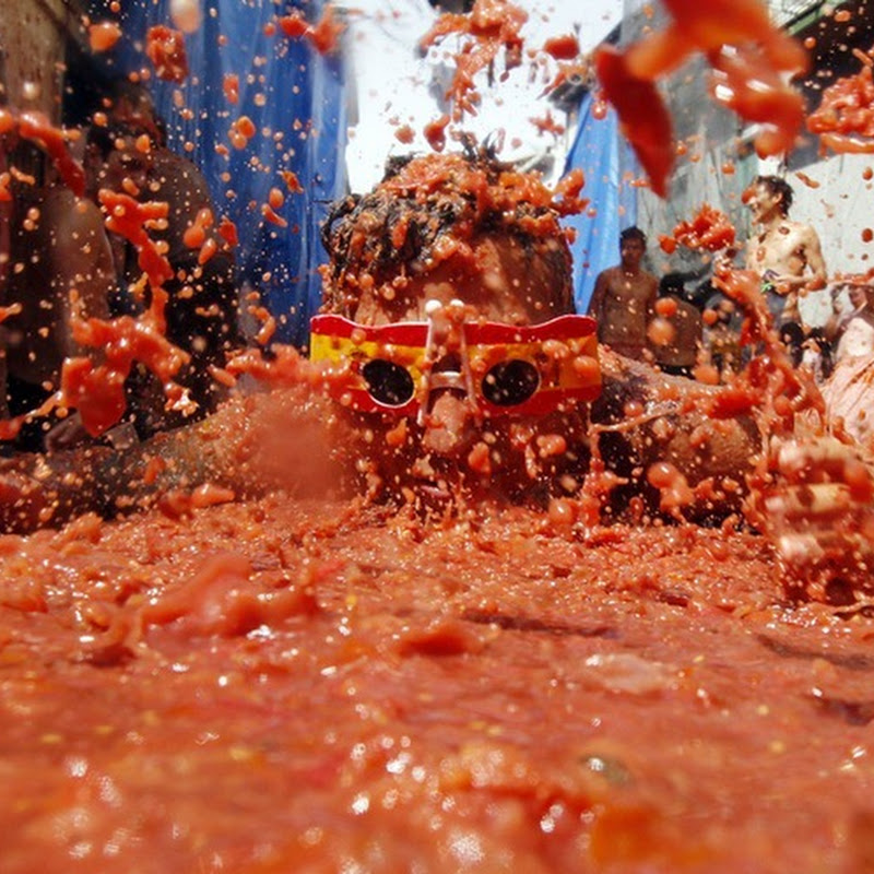 Annual Tomatina Festival in Spain, 2011