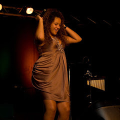 Aina Quach - concert du 15 mai 2010::Aina_Quach_100515231028