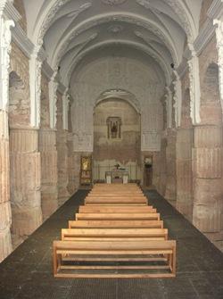 Columnas romanas en la iglesia de Santa María, en Tricio.