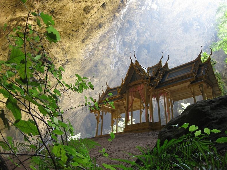 phraya-nakhon-cave-3