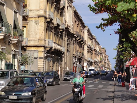 09. Strazile din Catania.JPG