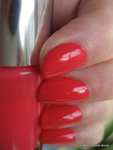 Clinique-Summer-in-the-City-nail-enamel-polish-photo-pic