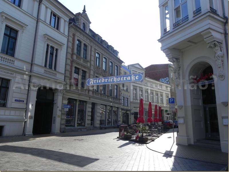 A bela Friedrichstrasse e seus restaurantes deliciosos em Schwerin