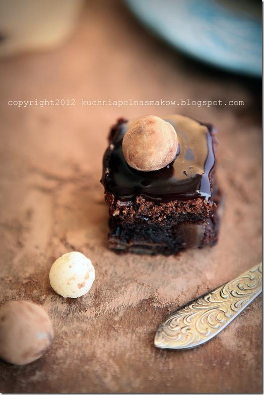 brownie migdałowe z migdałowymi ziemniaczkami (5)