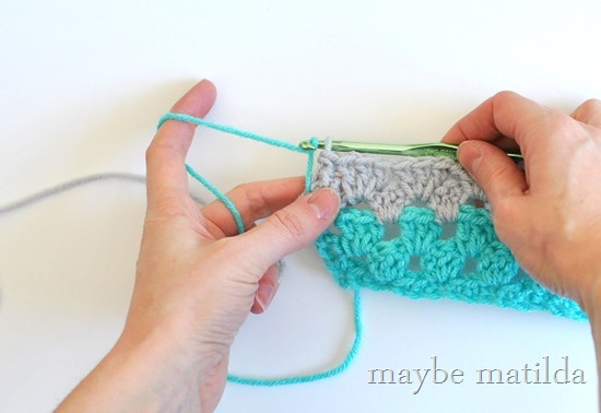 How to carry yarn up the side of your work instead of cutting it