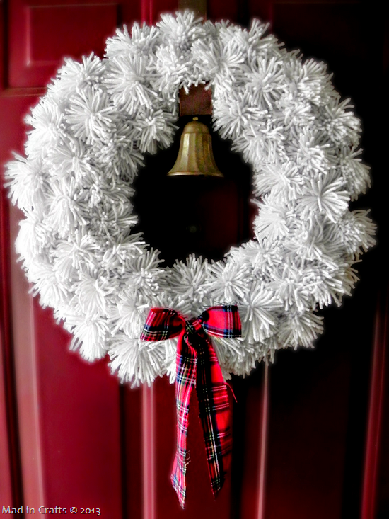 Pom pom wreath with bow