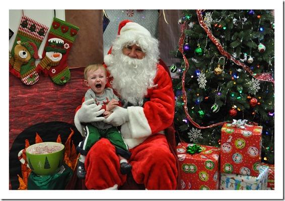12 14 11 - Santa at Child Garden (11)