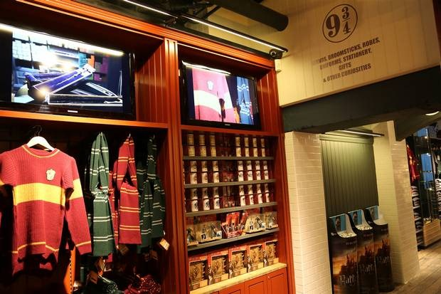 Harry Potter Shop Opens at Platform 9 34 via The Independent