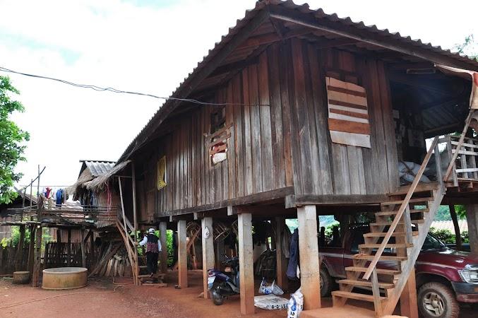 Imagini Thailanda: Casa a tribului Akha, Thailanda