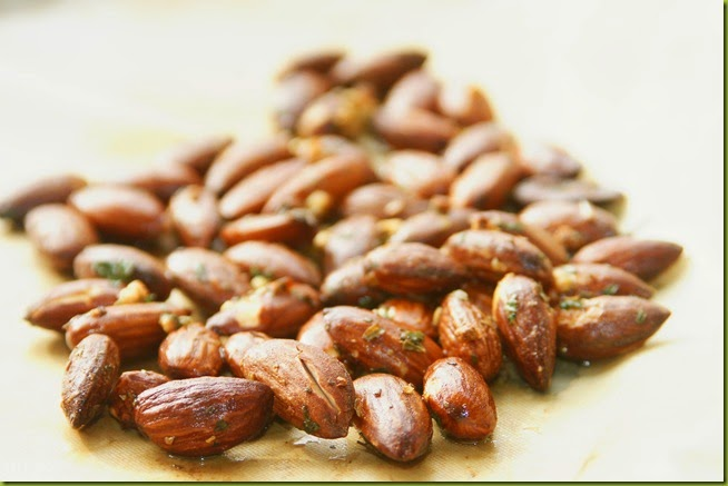 garlic and herb roasted almond nuts snacks