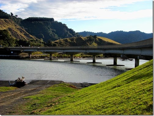 bridge-outof-mokau