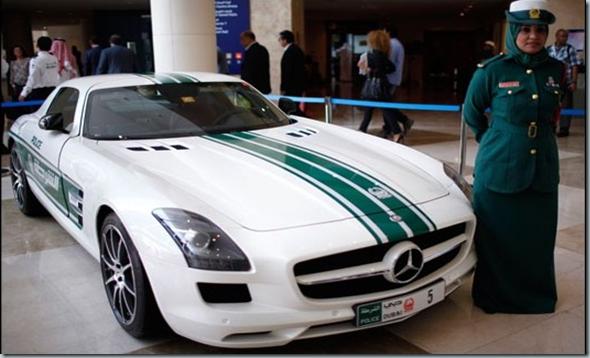 Polisi Dubai Dibekali Sejumlah Mobil Mewah 1   foto   Tempo.co