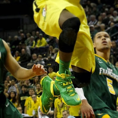 wearing brons ducks soldier7 oregon ducks 01 Wearing Brons: Oregon Ducks Nike Soldier VII PEs (x3)
