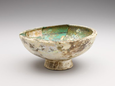Bowl | Origin:  Syria | Period: 12th-13th century | Details:  Not Available | Type: Stone-paste painted under glaze | Size: H: 9.9  W: 20.8  cm | Museum Code: F1909.125 | Photograph and description taken from Freer and the Sackler (Smithsonian) Museums.